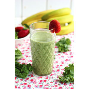 apple-strawberry-and-kale-smoothie